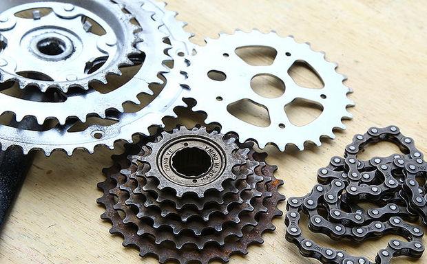 Велозапчасти, которым суждено стать часами
