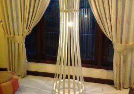 Торшер с лампой