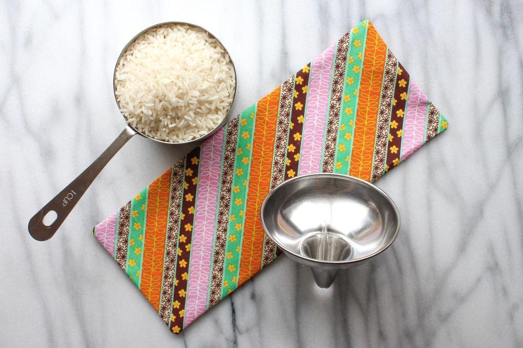 Рис в посуде