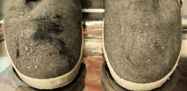 Обувь в воде