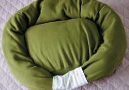 Лежанка из свитера
