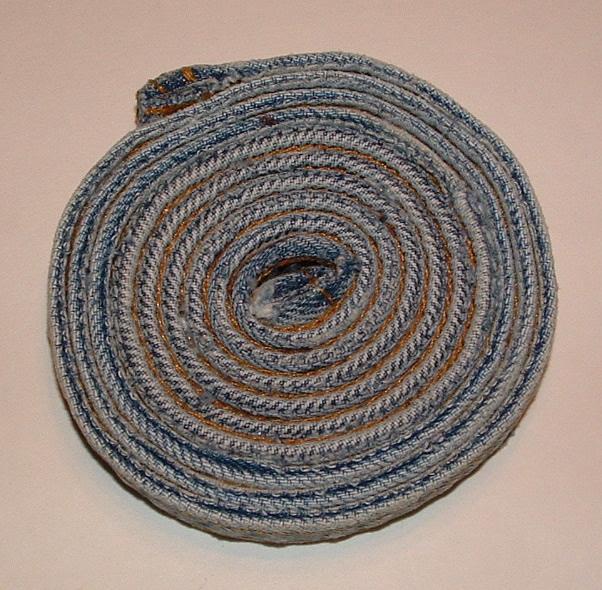 Подставка из джинсы
