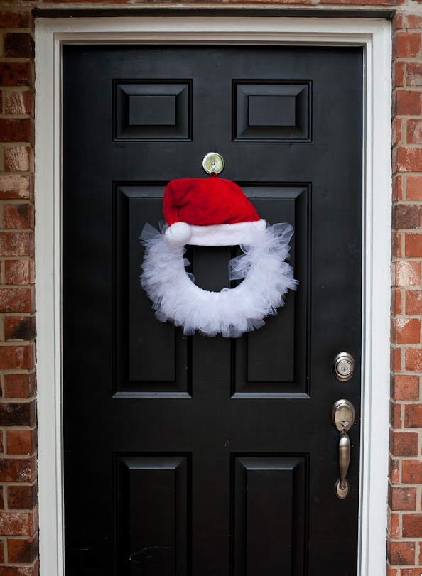 На дверь