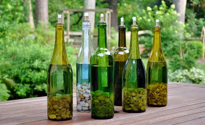Бутылки с камушками