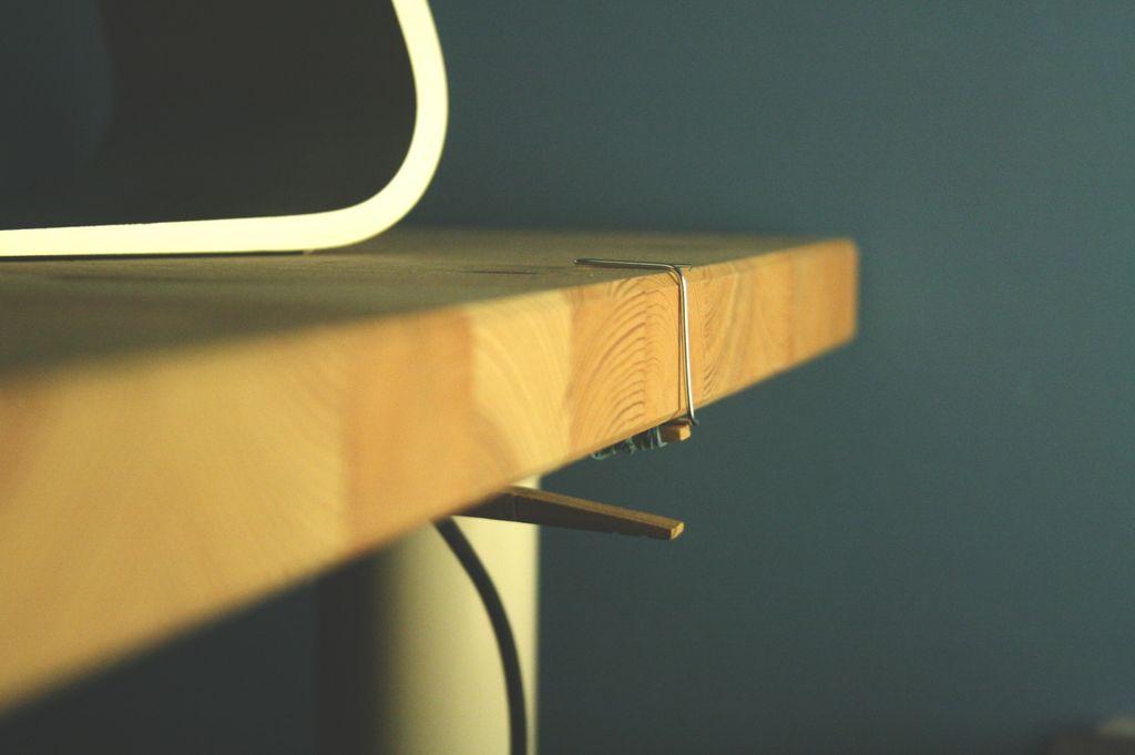 На столе