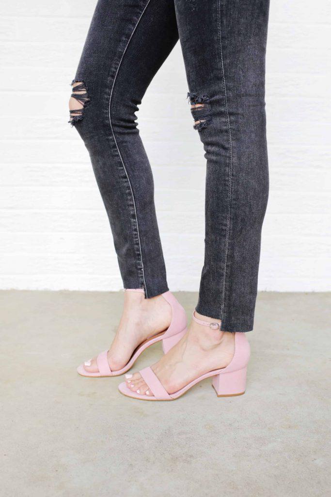 Готовые черные джинсы