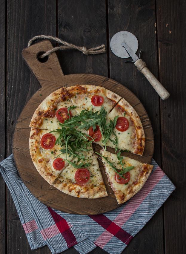 Блюдо для пиццы из дерева