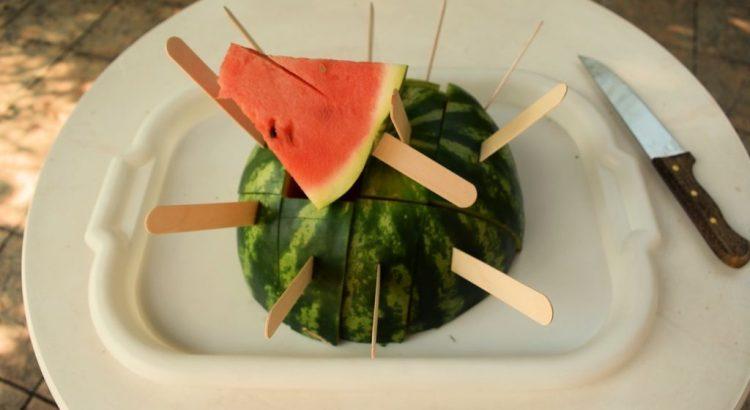 Простая нарезка арбуза