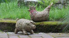 Фигурки животных из сена