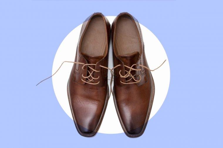 Как почистить любую пару обуви