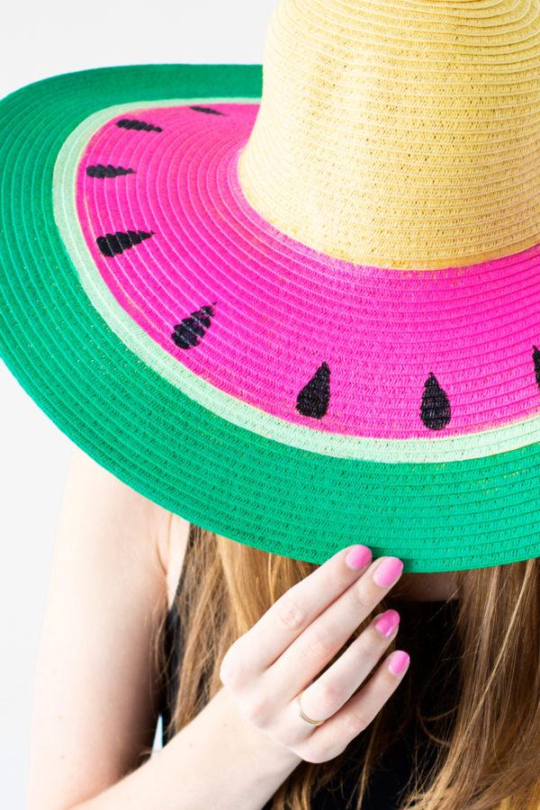 Арбузная соломенная шляпка