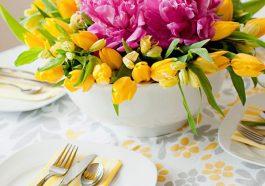 Ваза с цветами для центра тсола