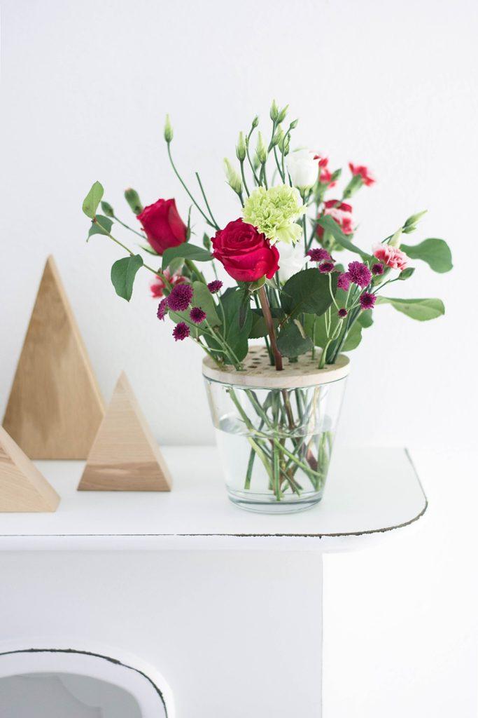 Сито для вазы с цветами