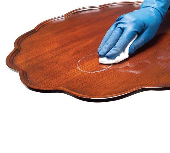 Как удалить пятна с деревянной мебели
