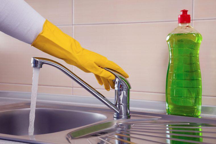 Жидкость для посуды