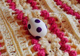 Яйцо в блестках