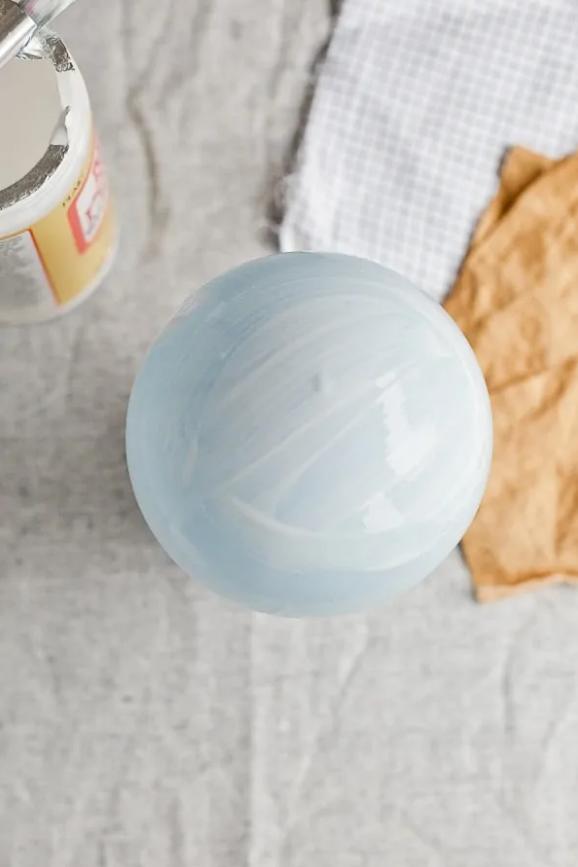 Клей на шарик